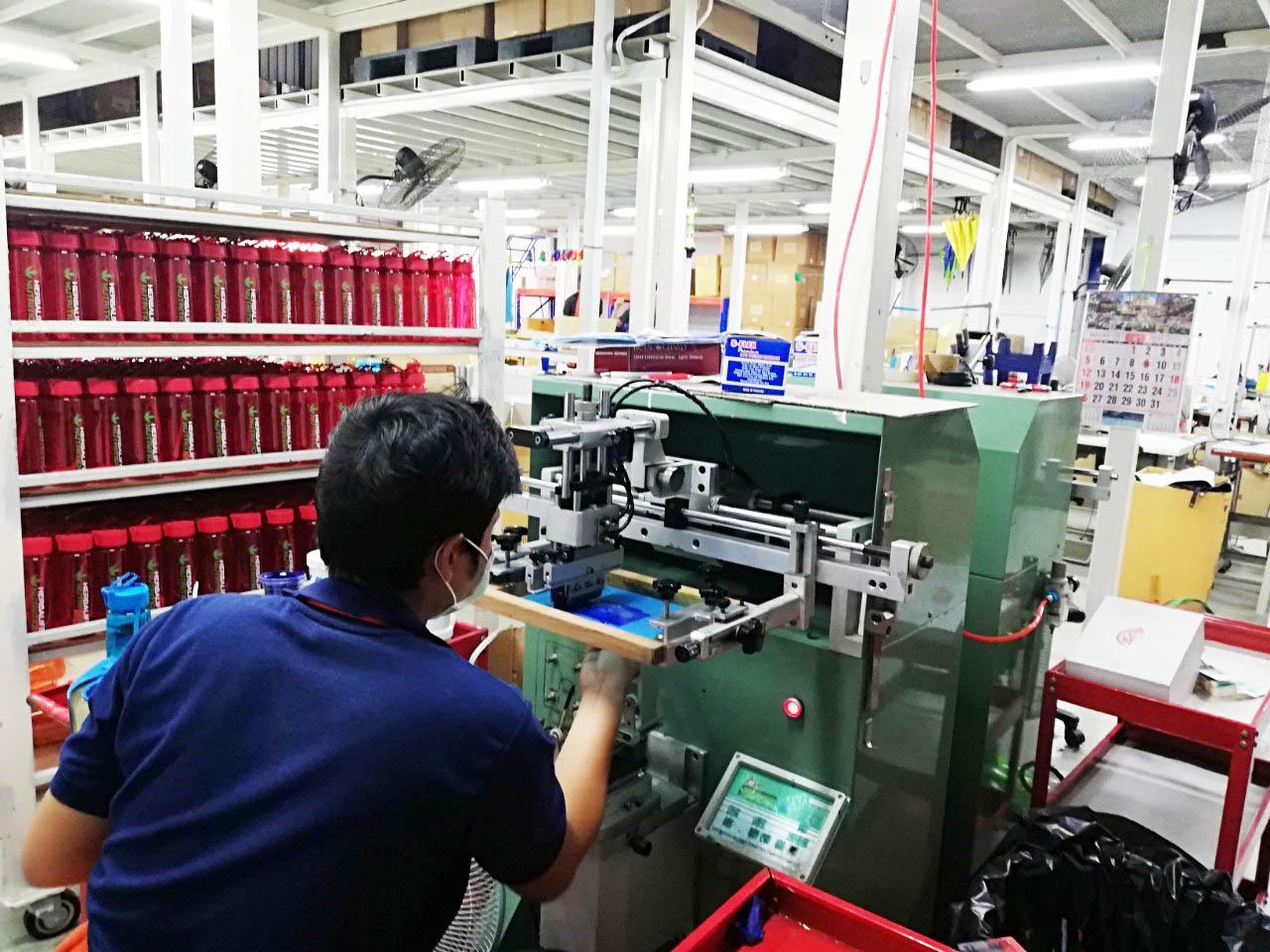 โรงงานของพรีเมี่ยม ของแจก กระบอกน้ำ USB พาวเวอร์แบงค์ และอื่น ๆ รับงานผลิตด่วน